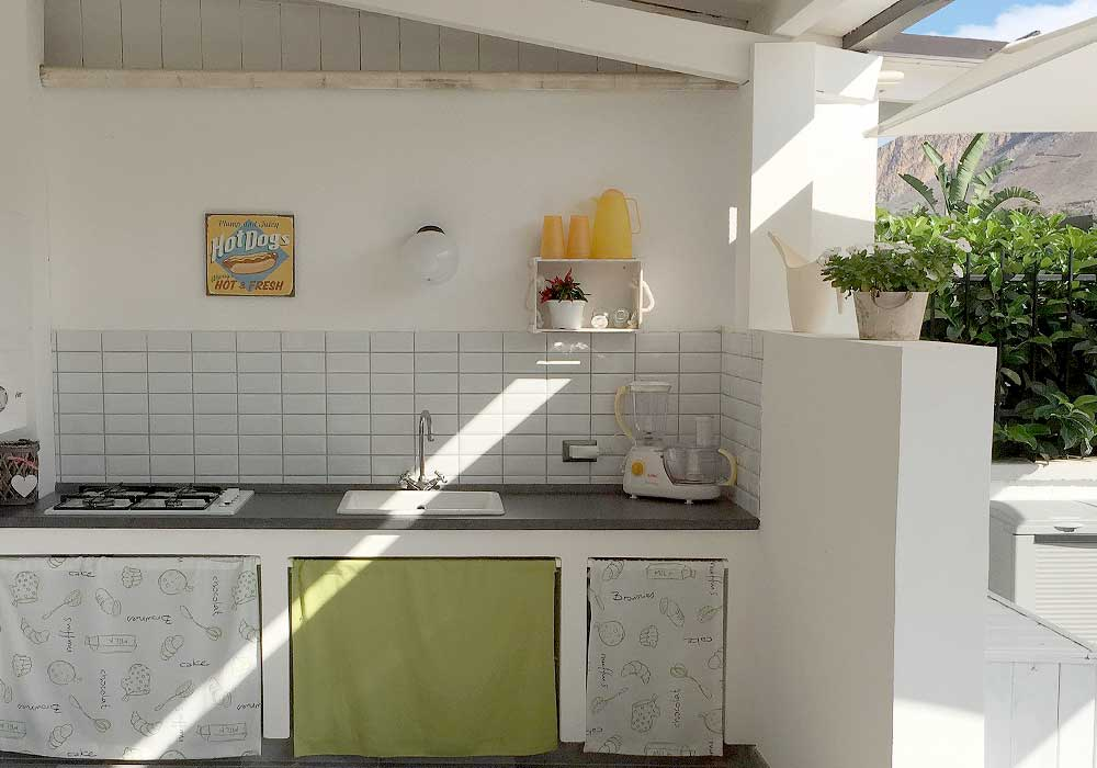 The outdoor kitchen of Villa Velella