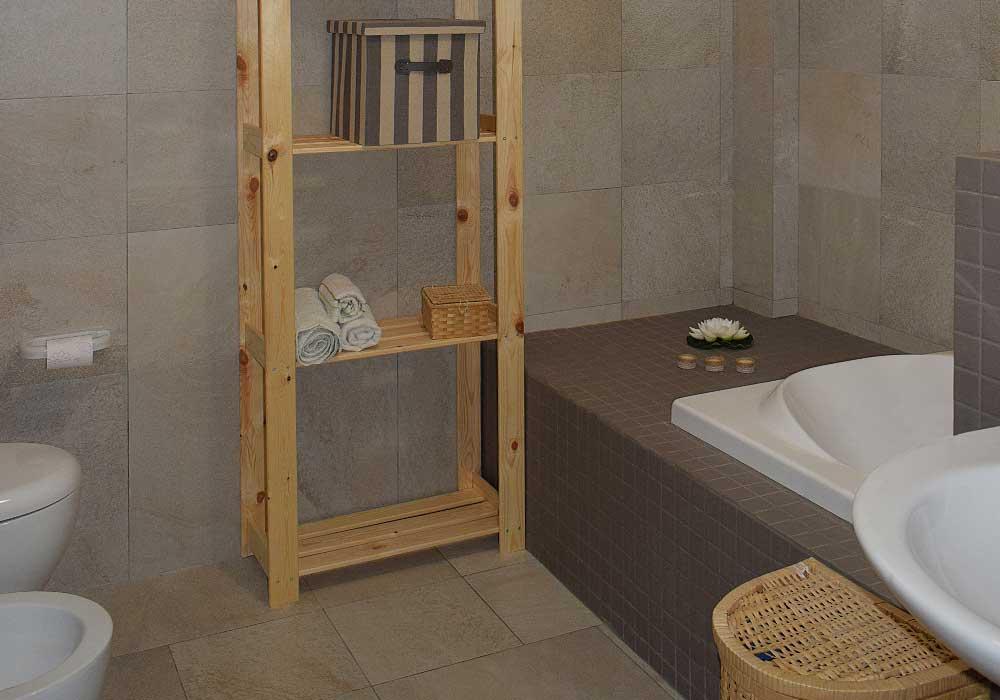 The first bathroom of Casa Ficurinia